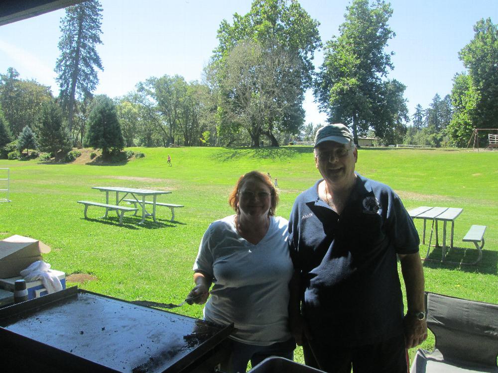 2017 picnic chairs - Doris & Randi Kobernick