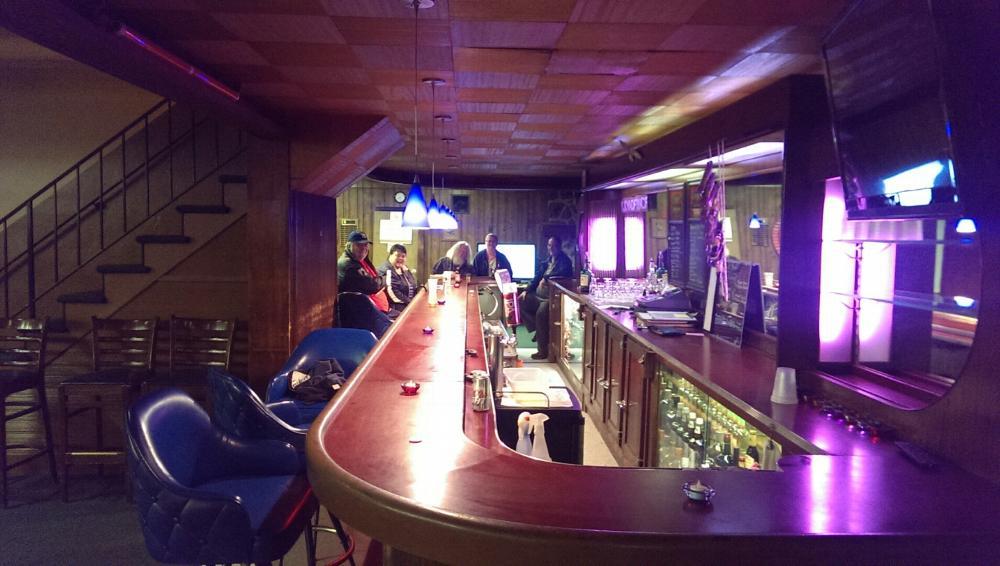 Members Lounge (long side view)