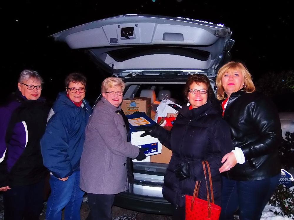 Lady Elks deliver donations